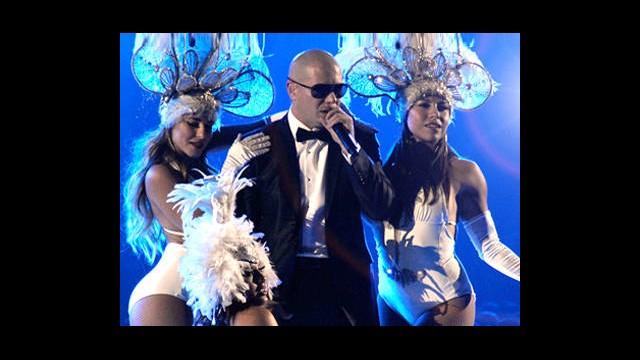 Pitbull ve Kaan Aynı Sahnede!