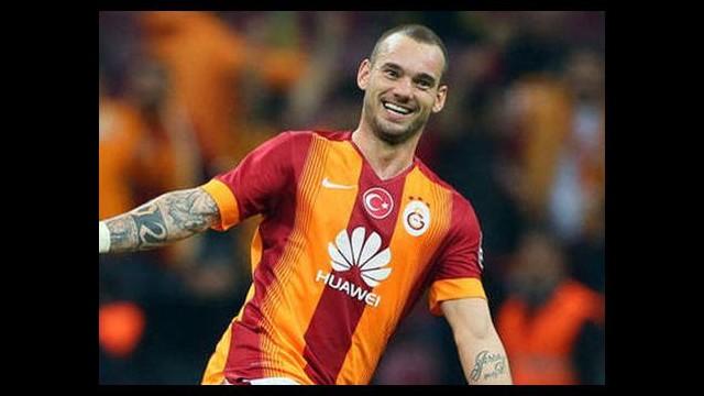 Sneijder atıyor, 'Cim Bom' kazanıyor