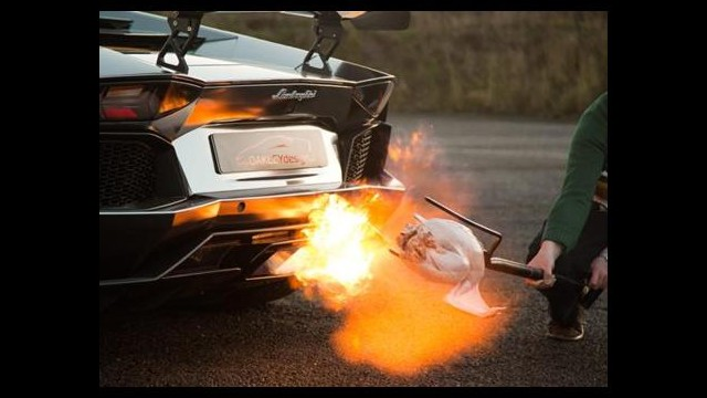Lamborghini'siyle Hindi Pişirdi!