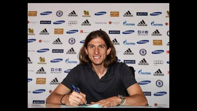 Filipe Luis imzayı attı