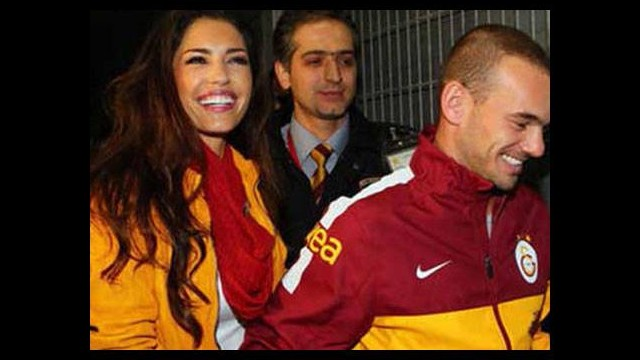 Sneijder'in eşine Juve'li taraftarlardan baskı...