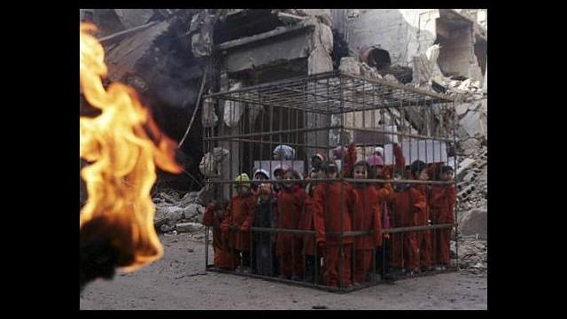 3 yaşındaki çocukları kafese koyup dünyayı uyardılar!