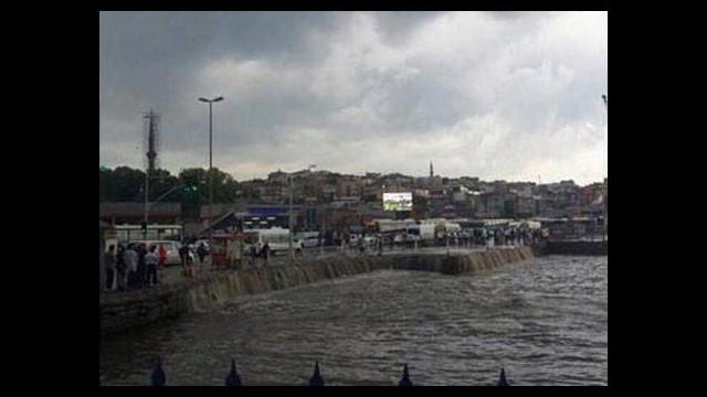 Üsküdar Meydanı yine sular altında