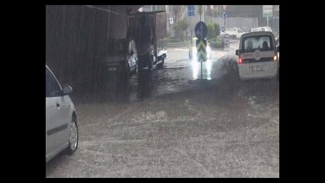 İstanbul'u sel aldı