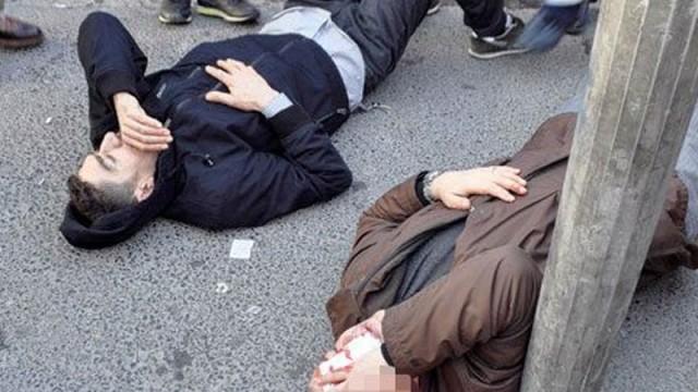 Taksim'de olay! 3 kişiye çarpıp kaçtı...