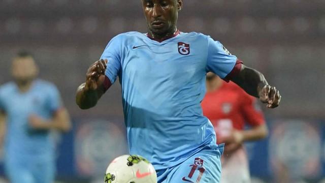 Trabzonlu yıldız G.Saray'ı aradı!