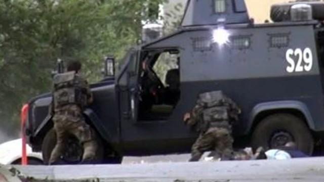 Sultanbeyli'de bombalı saldırı sonrası çatışma