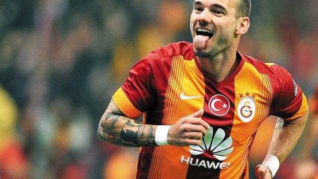 Sneijder'de sürpriz yaşanabilir!