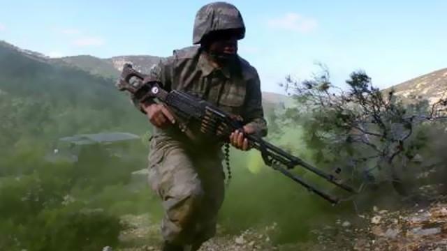 JÖH'ler kaçan PKK'lıları kıskaca aldı