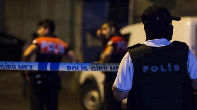 Esenler'de polise ateş açıldı: 1 ölü