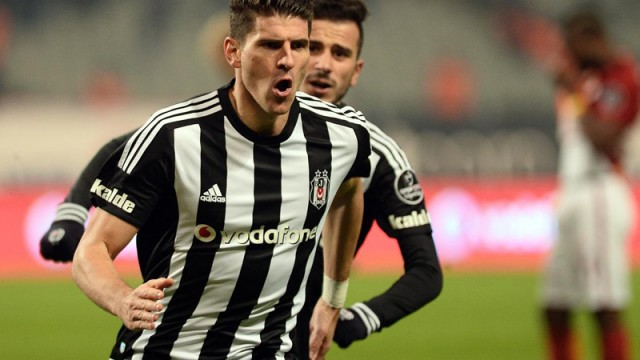 Gomez dev golcüleri solladı! Falcao, Dzeko, Balotelli...