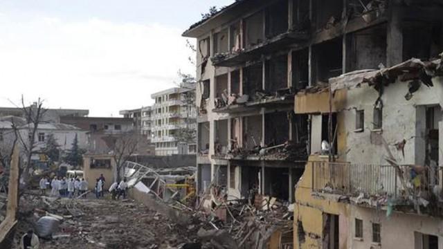 Diyarbakır'da alçak saldırı: 1 şehit, 3'ü çocuk 5 kişi yaşamını yitirdi