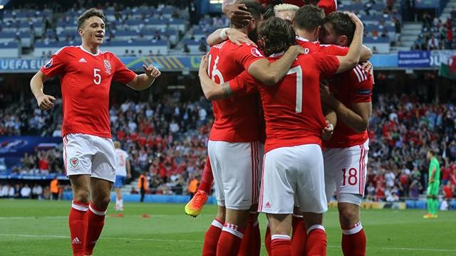 Bale Galler'i liderliğe uçurdu!