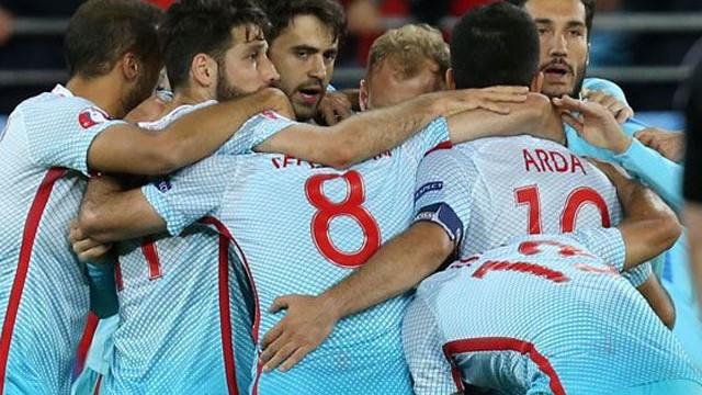 Çek Cumhuriyeti-Türkiye maçı İspanyol basınında
