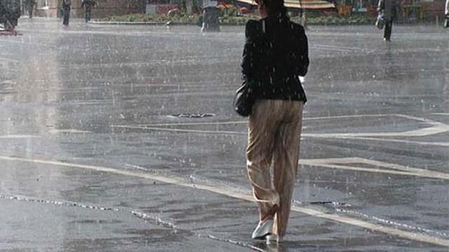 Meteoroloji İstanbul'da yağış için saat verdi!