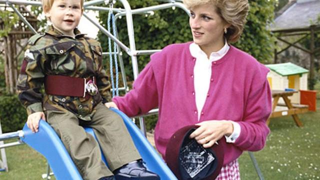 Prens Harry yıllar sonra annesi hakkında konuştu!