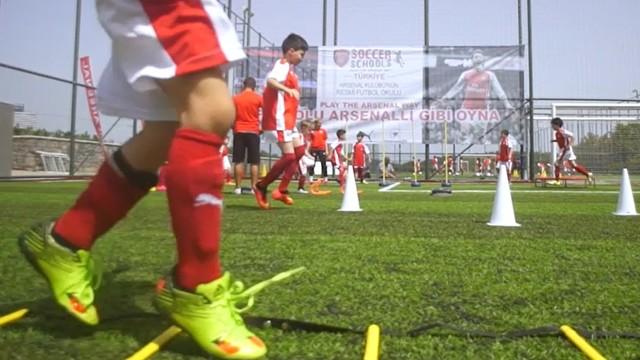 Arsenal, futbol okulu kavramını değiştiriyor!