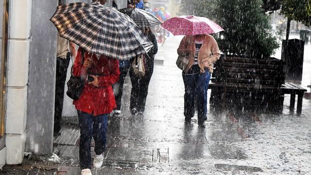 Meteoroloji uyardı! Hem yağış geliyor, hem de sıcaklık düşüyor...