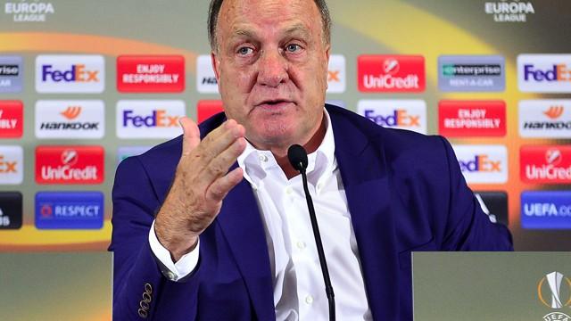Dick Advocaat Fenerbahçe için hedefi belirledi