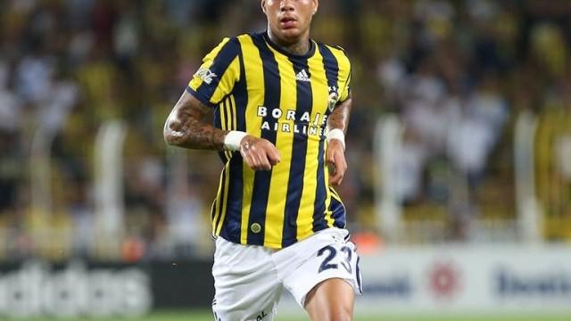 Fenerbahçe'de Van der Wiel'in kadro dışı kalma nedeni belli oldu!