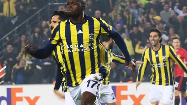 Fenerbahçe, Manchester'a diz çöktürdü!