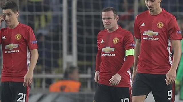 Manchester United'da Fenerbahçe mağlubiyeti sonrası şok kararlar!