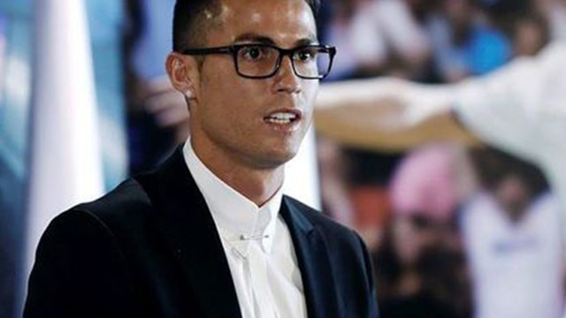 Cristiano Ronaldo'ya gözlük tepkisi!