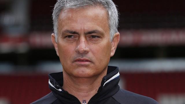 Manchester United'dan flaş Mourinho kararı!
