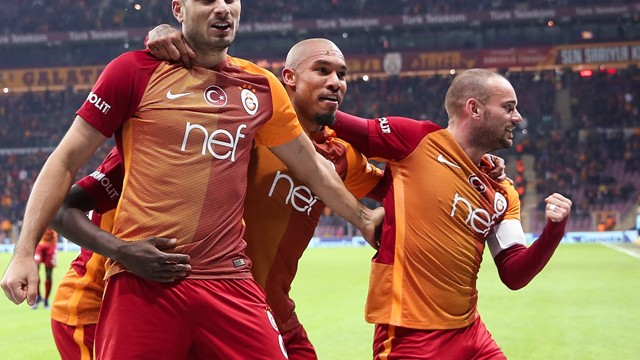 Wesley Sneijder'e Çin'den çılgın teklif!