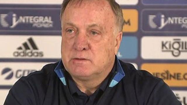 Fenerbahçe teknik direktörü Advocaat'tan transfer açıklaması!