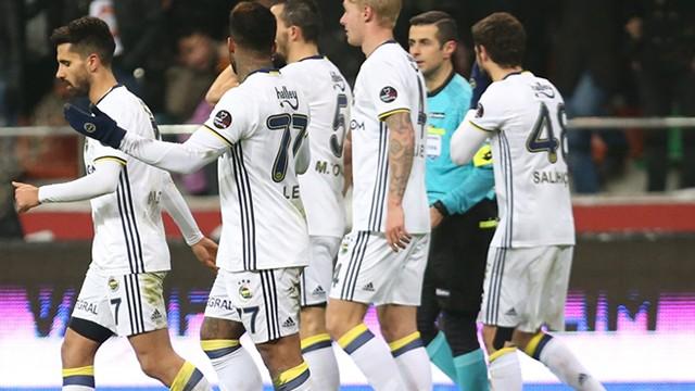 Fenerbahçe'de Salih Uçan'dan kötü haber!