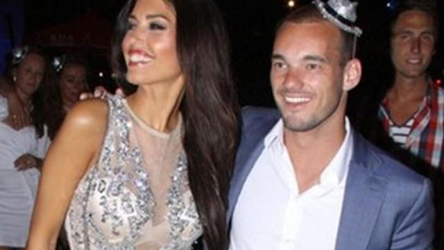 Sneijder ve eşi 'Amsterdam Partisi'nde!