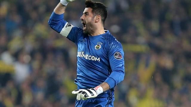 Volkan Demirel Fenerbahçe'de kalacak mı? Açıkladı...