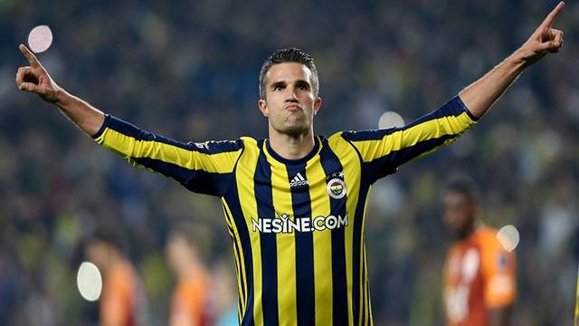 Fenerbahçe'de Robin van Persie şoku!