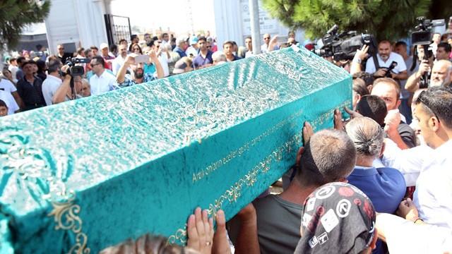 Vatan Şaşmaz'ın cenazesinde büyük ayıp