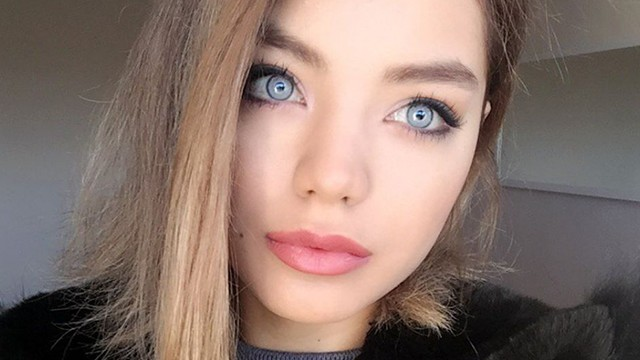 Ünlü oyuncu gözlerinin rengini ameliyatla mı değiştirdi?