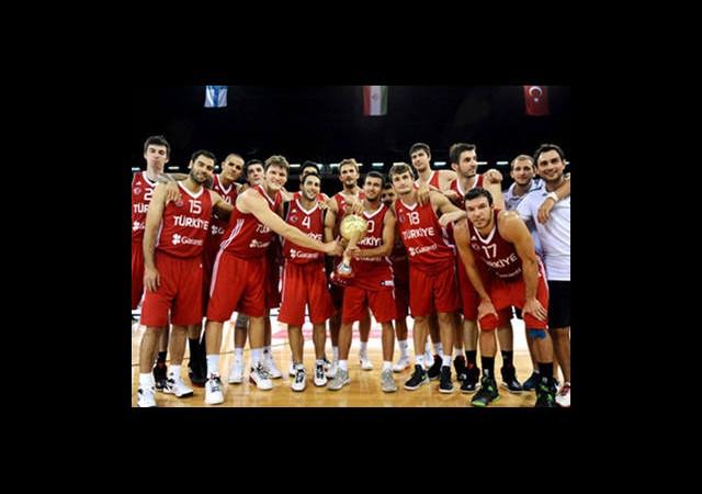 Eurobasket'te İlk Rakip Bayaz Rusya
