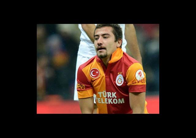 Galatasaray'da 2 İmza 1 Ayrılık!