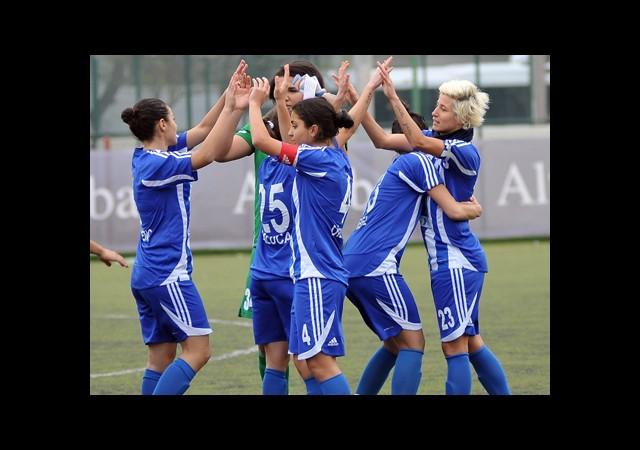 Kadın Futbolculara Başkan Desteği