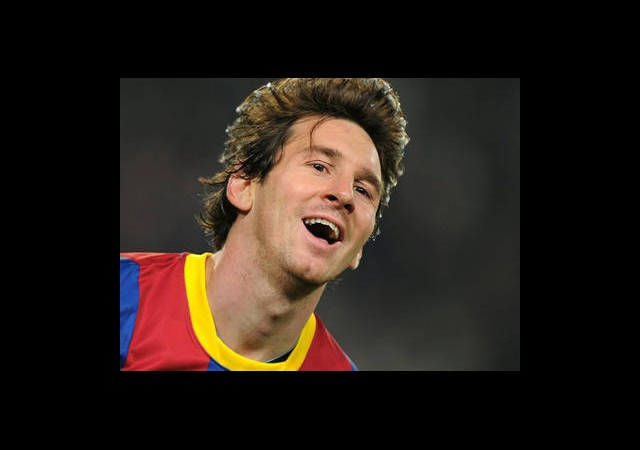 Alex, Messi ile Maç Yapacak