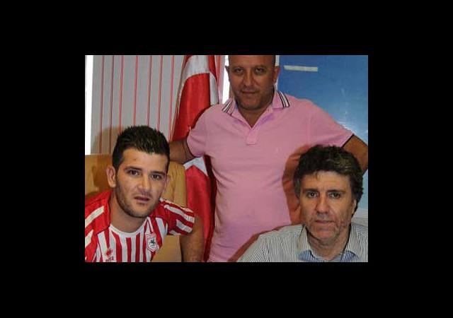Samsunspor'da İlk İmza Atıldı