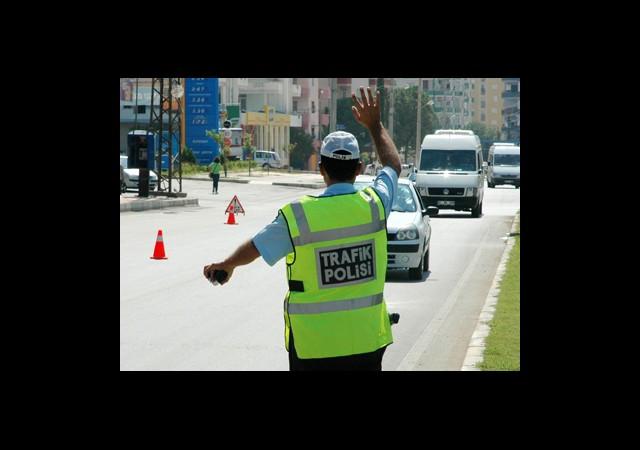 Rüşvet Veren Şoför ve Polise Hapis Cezası!