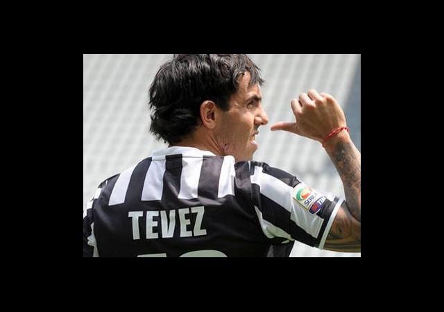 Tevez: 'Futbolu Bırakmayı Düşündüm!'