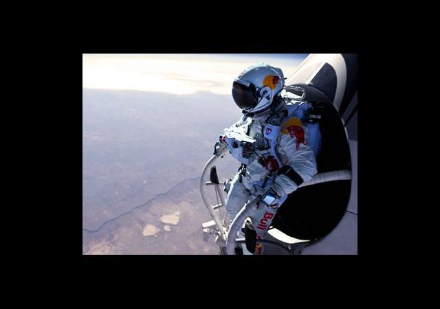 Felix Baumgartner'ın Atlayışı Sanıldığı Gibi Çıkmadı!