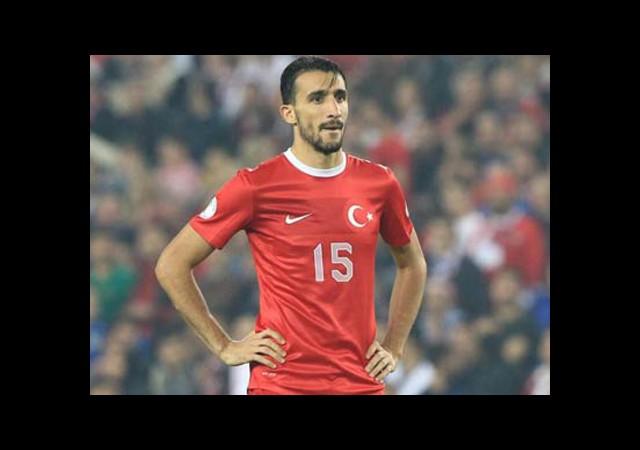 Mehmet Topal'da Yırtık!