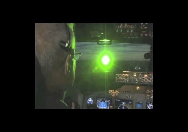 Uçağa Lazer Tuttu Sandalda Yakalandı