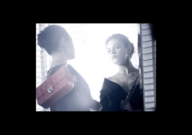 Mila Kunis Sofistike, Kadınsı Ve Çok Güzel!