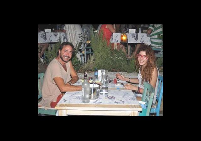 Hakan - Senem Çiftinin Mutluluk Pozu