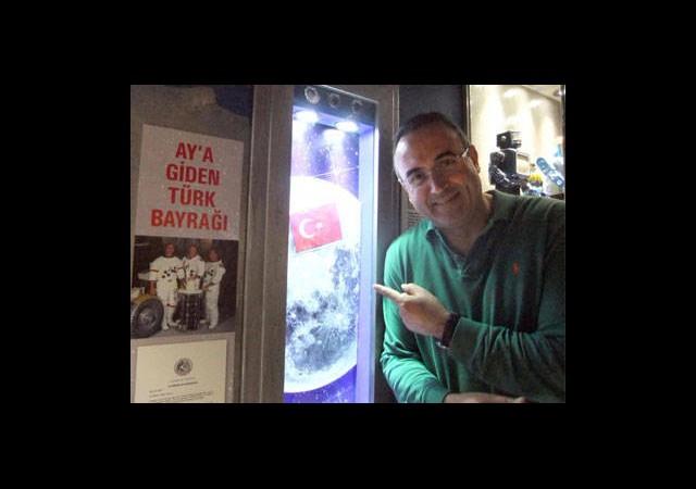 Ay'a Giden Türk Bayrağı Müzede