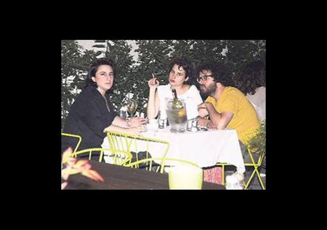 Esra Dermancıoğlu Geceleri Seviyor!